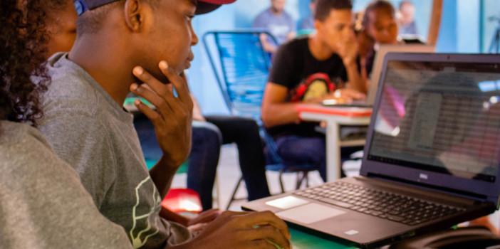 Sharing Word: programa de inclusão tecnológica chega à reta final com mais de 600 quilombolas capacitados