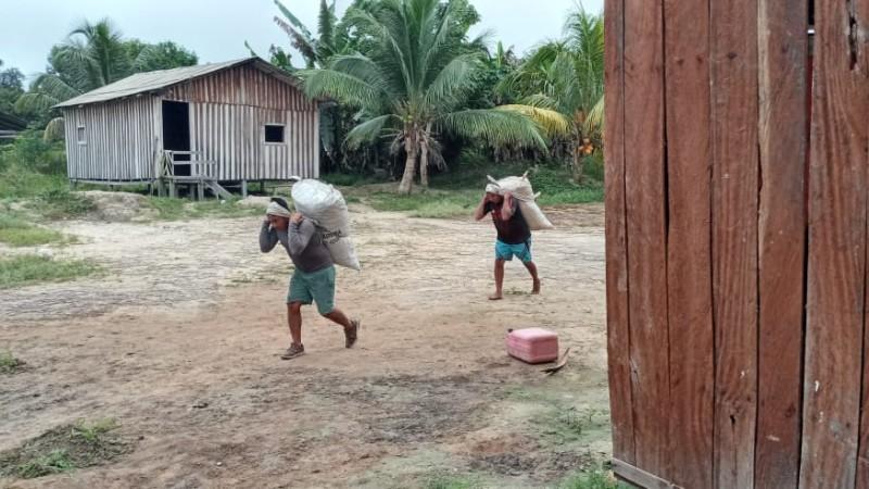 Ecam Projetos Sociais realiza ações de apoio ao povo Hexkaryana, para coleta de produção